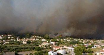 Φωτιά – Ηλεία: Καλύτερη εικόνα από τα πύρινα μέτωπα- Τα «επικίνδυνα» σημεία