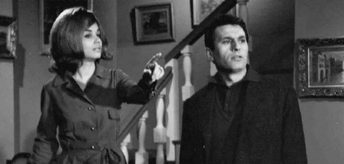 Ο Νίκος Ξανθόπουλος και ο Κώστας Βουτσάς σε νυχτερινή έξοδο τη δεκαετία του '60 – Δύο είδωλα σε μια σπάνια φφωτογραφία