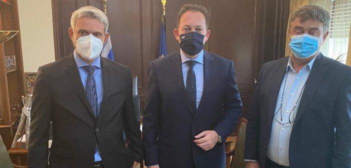 Συνάντηση με τον υπουργό Εσωτερικών είχαν Καραγκούνης και Αποστολάκης