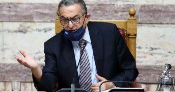Βουλή: Ο Χαράλαμπος Αθανασίου, τα ανοιχτά μικρόφωνα, τα τσίπουρα και το viral βίντεο