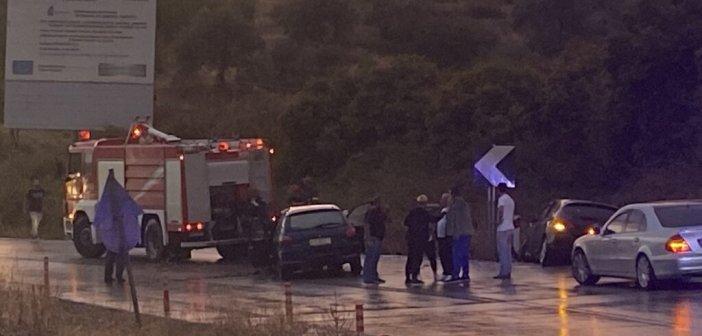 Αγρίνιο: Τροχαίο με τρεις τραυματίες στην γέφυρα Αχελώου (ΦΩΤΟ)