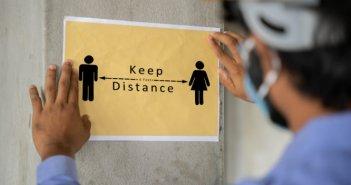 Κορονοϊός: Η μετάλλαξη Δέλτα «καταργεί» την απόσταση των δυο μέτρων – Μολύνει τους πνεύμονες σε 30 δευτερόλεπτα