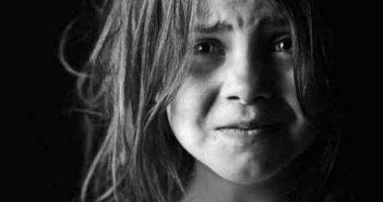 «Μένει Μυστικό»: Το Ψυχολογικό Προφίλ των παιδιών που βιώνουν κακοποίηση