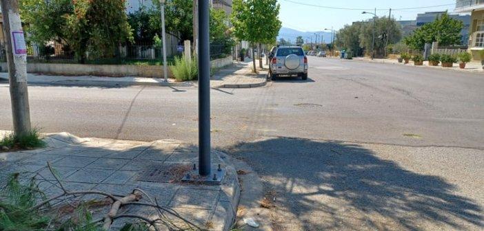 Αγρίνιο: Σύγκρουση αυτοκινήτων σε διασταύρωση – Μία τραυματίας στο νοσοκομείο (εικόνες)