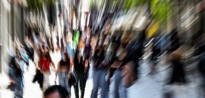 Μαγιορκίνης: Στο τραπέζι κλείσιμο καταστημάτων και απαγόρευση κυκλοφορίας