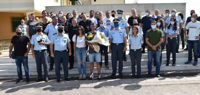 Αγρίνιο: Με σειρήνες και ανθοδέσμη υποδέχθηκαν τον Ανθυπαστυνόμο Φώτη Ζησιμόπουλου στην Υπηρεσία του
