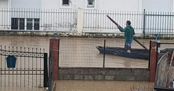 Με γαϊτες στους δρόμους οι κάτοικοι στην περιοχή Αλμυράκι Μεσολογγίου (εικόνες)