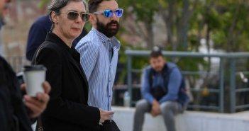 Ζακ Κωστόπουλος: Ράγισε καρδιές η μητέρα του στη δίκη – «Λύγισε» ο αδερφός του