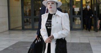 Ιωάννα Παλιοσπύρου: Τι είπε για τη μάσκα που φοράει στο πρόσωπό της – «Δεν μπορώ να πατήσω pause στη ζωή μου»