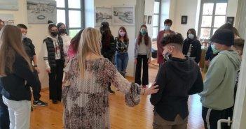 Μαθητές της Π.Ε Αιτωλοακαρνανίας ξεναγήθηκαν στο «Κτίριο Χρυσόγελου – Κέντρο πολιτισμού και τέχνης»